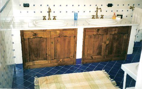 Illuminazione di un bagno provenzale come donare armonia al proprio