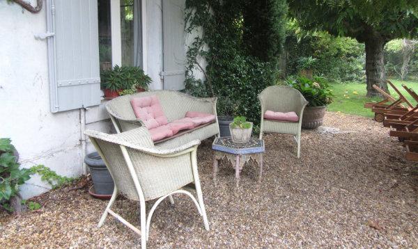 Terrazzo In Stile Provenzale : Sedie da giardino provenzali quali ...