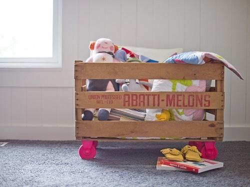 12 idee per riciclare vecchie cassette della frutta in for Ikea cassetta legno