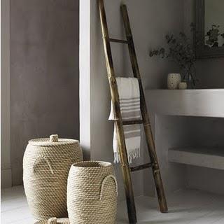 13 idee per arredare la casa con vecchie scale in stile country e shabby chic arredamento - Decoratie badkamer fotos ...