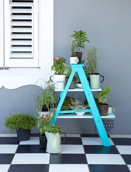 13 idee per arredare la casa con vecchie scale in stile country e shabby chic arredamento - Scale da giardino ...