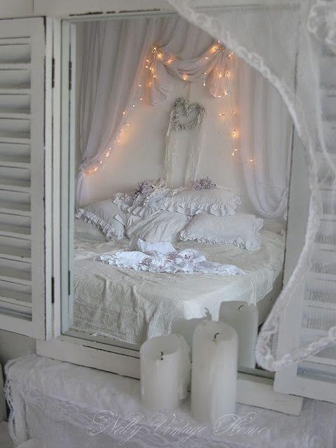 7 idee per riutilizzare vecchi specchi in stile shabby chic arredamento provenzale. Black Bedroom Furniture Sets. Home Design Ideas