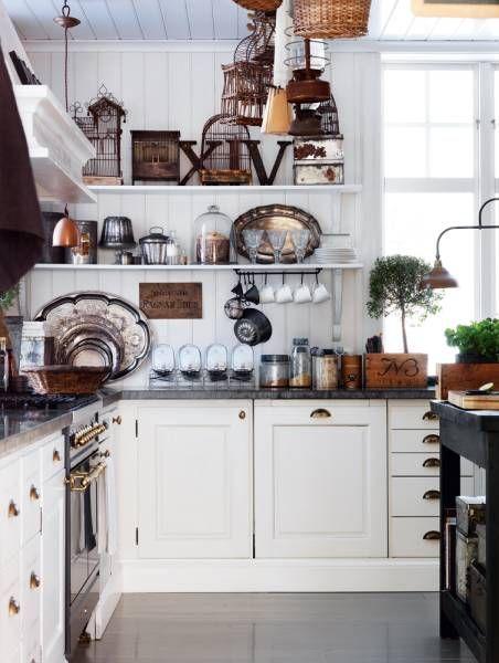 cucina con gabbie vintage