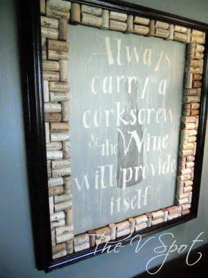 cornice creata con mosaico di tappi di sughero shabby chic country provenzale