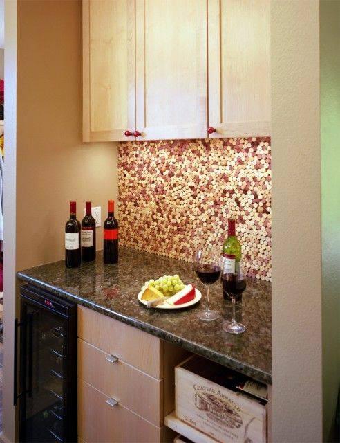 mosaico di tappi di sughero per parete cucina shabby chic, country provenzale