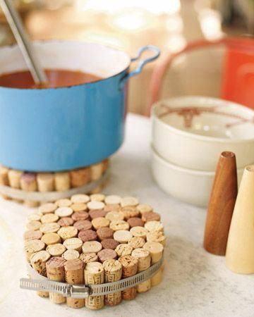 sottopentola creato con tappi di sughero per l'arredamento della cucina shabby chic provenzale country