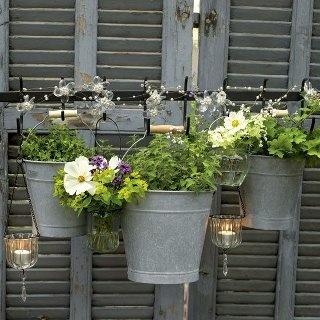 7 idee creative per sistemare i fiori in stile shabby chic ... - Idee Arredamento Negozio Fiori