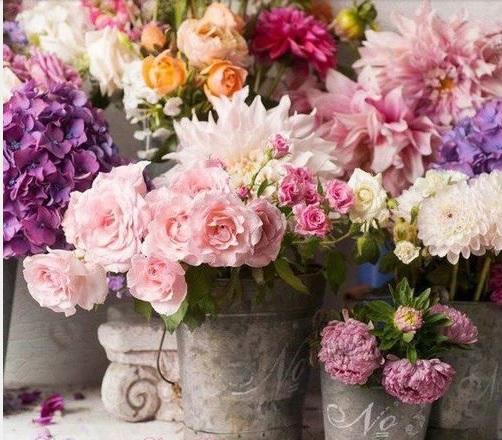 7 idee creative per sistemare i fiori in stile shabby chic for Fiori di stoffa shabby chic