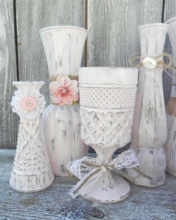 7 idee per allestire la tavola del matrimonio in stile for Sedie decorate a decoupage