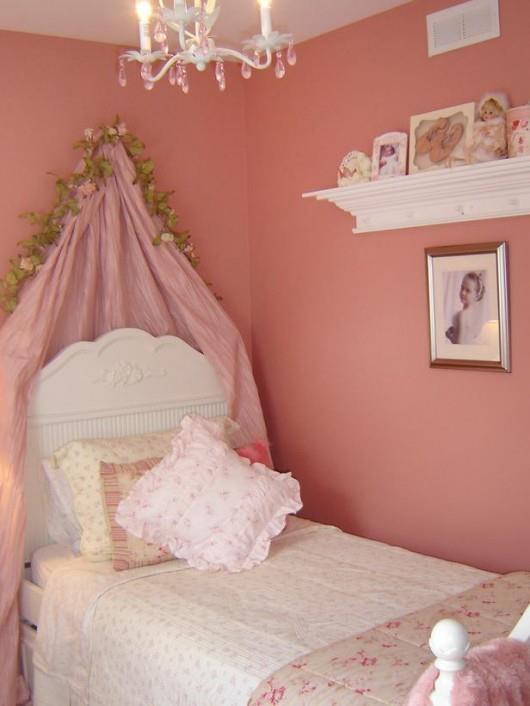 camera-muri-rosa