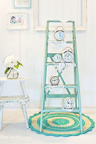 7 idee per utilizzare la scala a pioli nella casa in stile shabby chic provenzale e country - Porta asciugamani stile provenzale ...