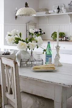 Tavolo Bianco Decapato.Tavolo Legno Decapato Bianco Arredamento Provenzale