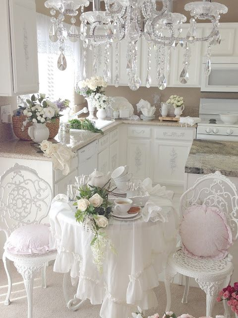 7 dettagli per una serata romantica in stile shabby chic provenzale e country arredamento. Black Bedroom Furniture Sets. Home Design Ideas