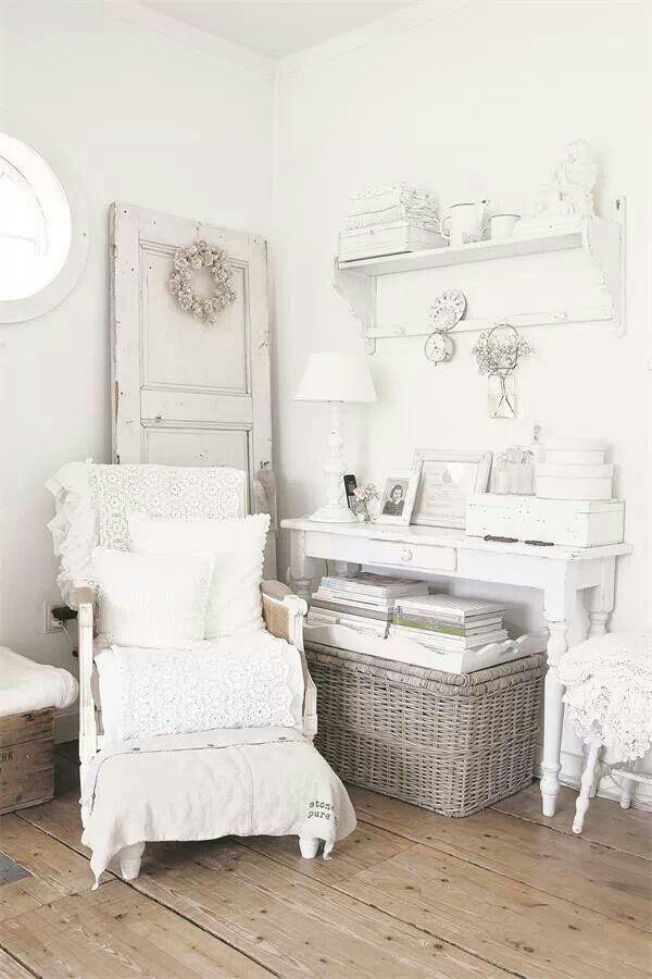Matrimonio In Total White : Idee per un angolo lettura in stile shabby chic