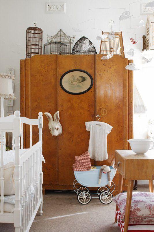 7 idee per la camera del neonato in stile shabby chic. Black Bedroom Furniture Sets. Home Design Ideas