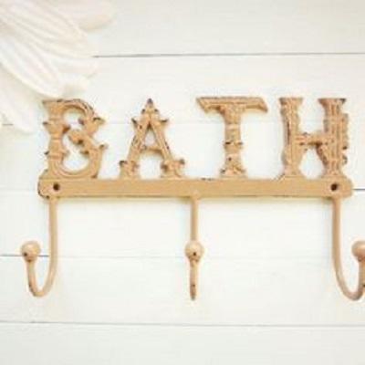 7 idee per decorare il bagno in stile shabby chic provenzale e country arredamento provenzale - Appendi asciugamani bagno ...