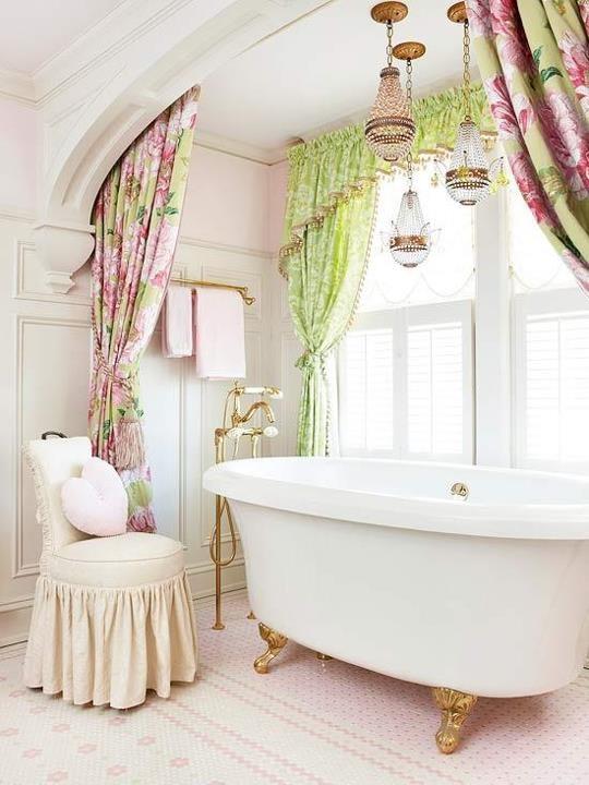 7 idee per un bagno romantico in stile shabby chic - Tende per bagno classico ...