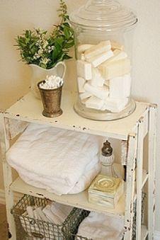 7 idee per decorare il bagno in stile shabby chic provenzale e country arredamento provenzale - Abbellire il bagno ...