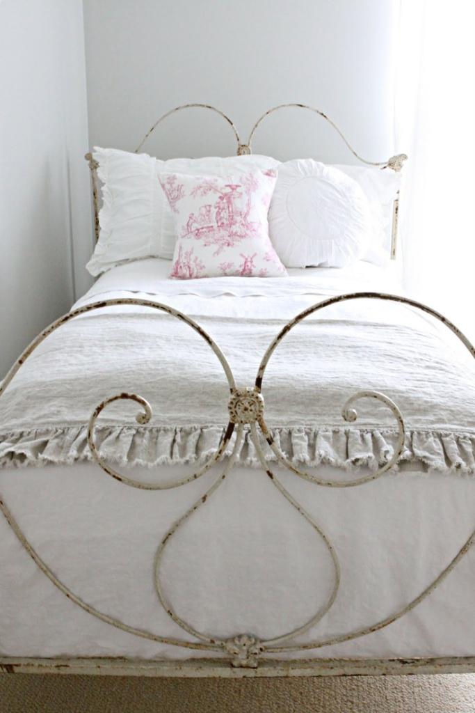7 idee per un letto in ferro in stile shabby chic, provenzale e ...
