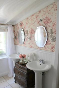 Bagno Shabby Chic. Excellent Bathroom Shabby Chic Chandeliers ...