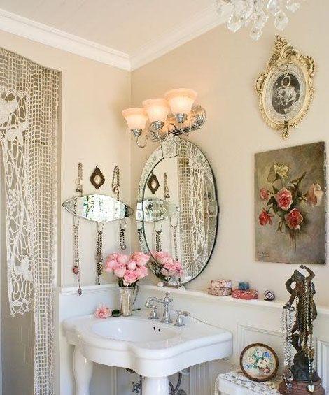 7 idee per decorare il bagno in stile shabby chic - Quadri da mettere in bagno ...