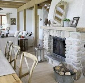 7 idee per la zona caminetto in stile shabby chic for Piani di casa con camino a doppia faccia