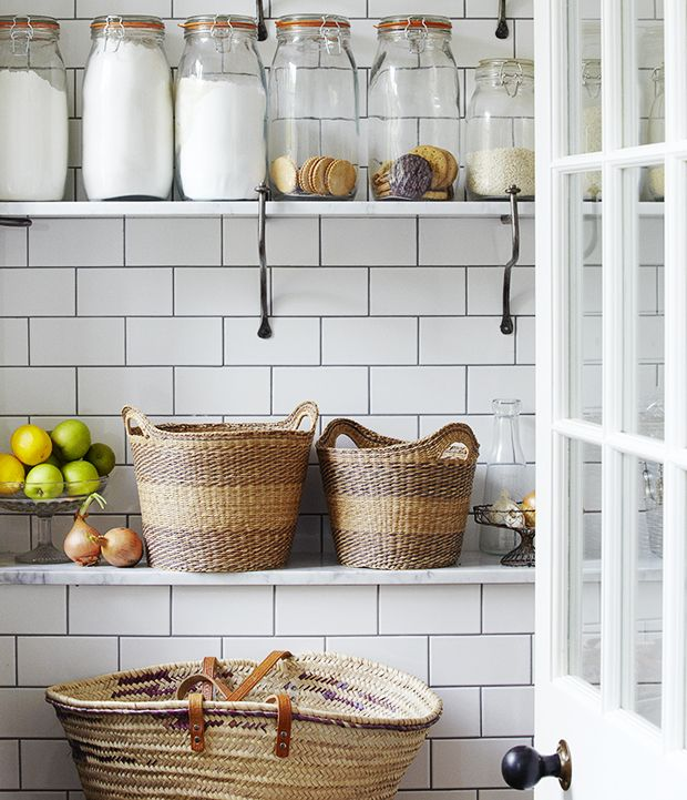 The Zhush Seven Inspiring White Kitchens: 7 Idee Per Una Dispensa In Stile Shabby Chic, Provenzale E