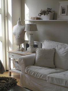 divano-bianco-ikea