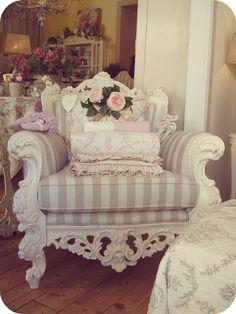La camera da letto shabby chic provenzale e country for Poltrone country chic