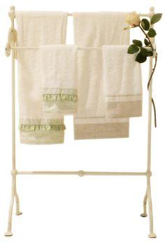 Idee per il bagno shabby chic provenzale e country dai for Porta asciugamani ikea
