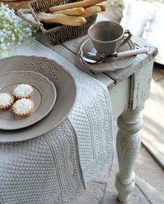 tavolo-rustico-provenzale