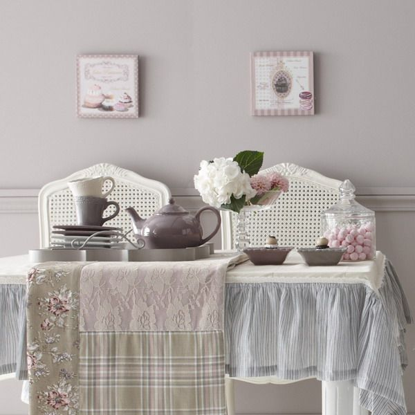 tovaglie shabby chic provenzali e country dai grandi brand arredamento provenzale. Black Bedroom Furniture Sets. Home Design Ideas