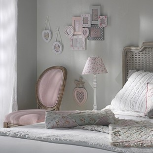 sedie e poltrone shabby chic da maison du monde arredamento provenzale. Black Bedroom Furniture Sets. Home Design Ideas
