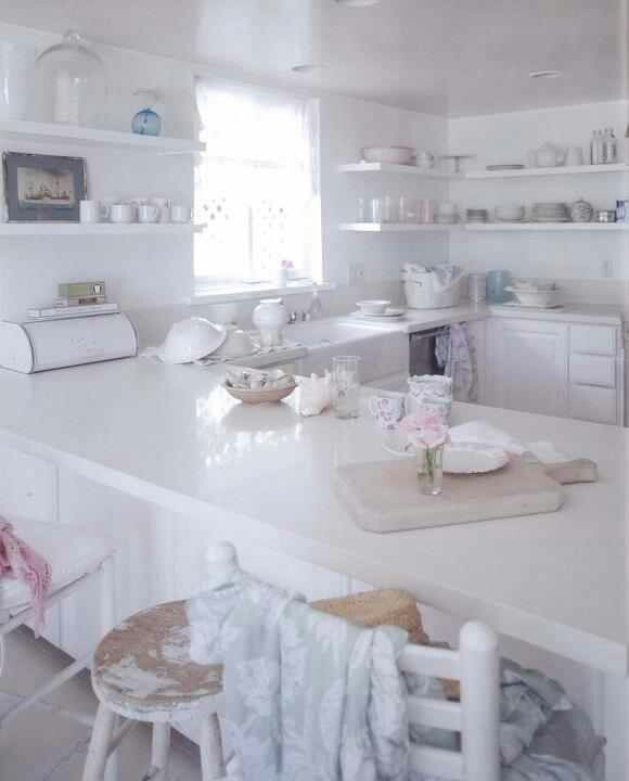 La cucina bianca Shabby Chic secondo Rachel Ashwell - Arredamento ...