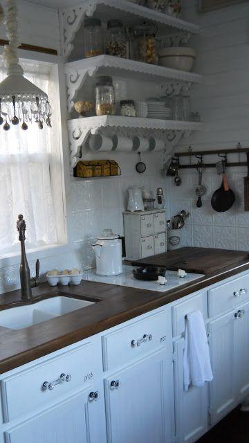 L 39 azzurro nella cucina shabby chic arredamento provenzale - Mobiletti cucina ...
