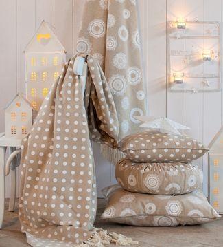 blanc maricl ecco i nuovissimi e bellissimi tessuti in. Black Bedroom Furniture Sets. Home Design Ideas