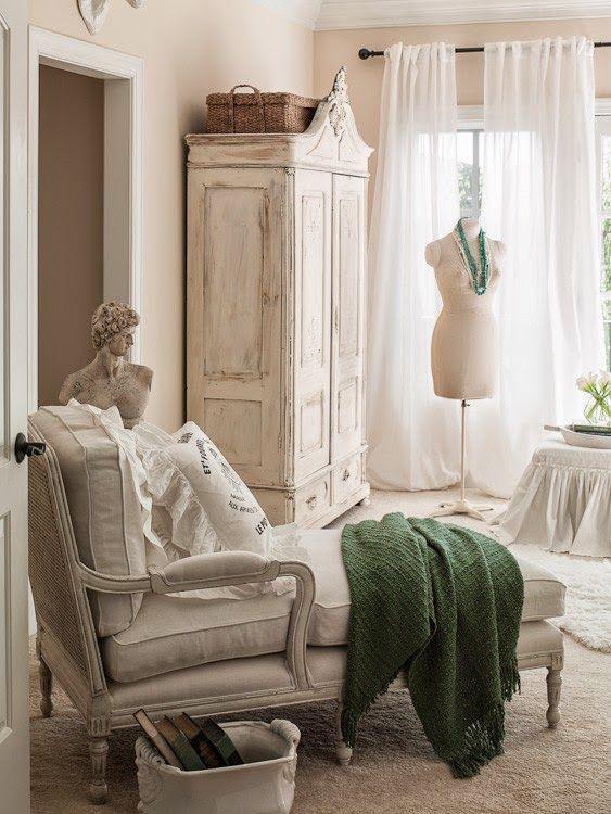 la chaise longue in chiave shabby chic arredamento provenzale. Black Bedroom Furniture Sets. Home Design Ideas