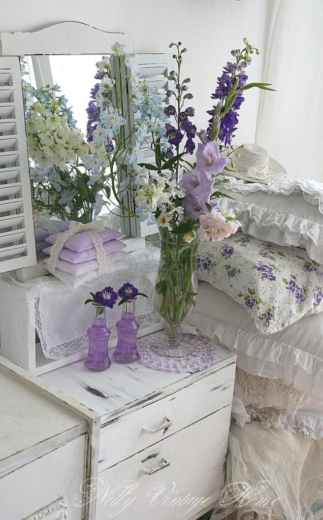 Un tocco di Shabby Chic con i fiori in camera da letto - Arredamento ...