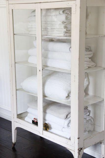 Consigli per l\'armadio Shabby Chic in bagno - Arredamento Provenzale
