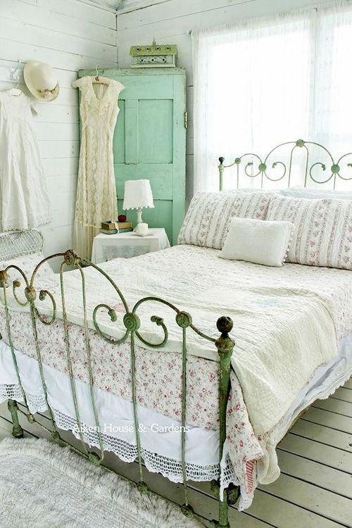 Idee e dettagli per decorare la camera da letto Shabby Chic di ...