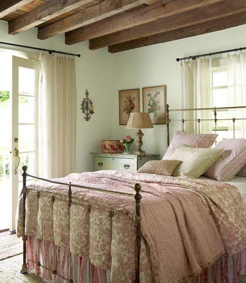 camera-da-letto-pareti-verde-menta - Arredamento Provenzale