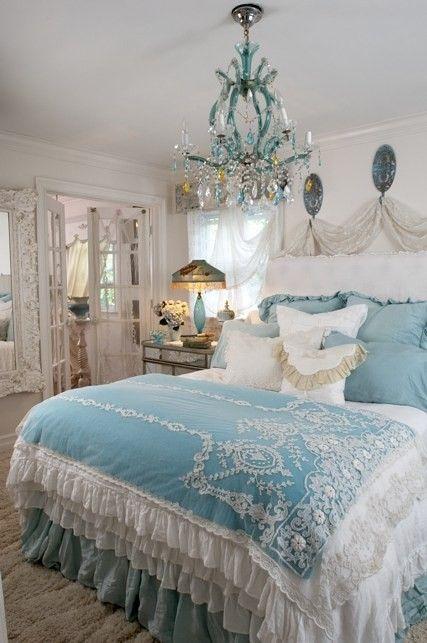Dettagli azzurri nella camera da letto Shabby Chic - Arredamento ...