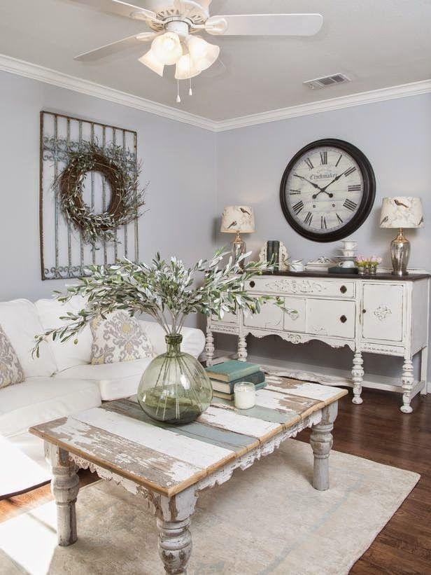 divano-tavolo-bianco-shabby