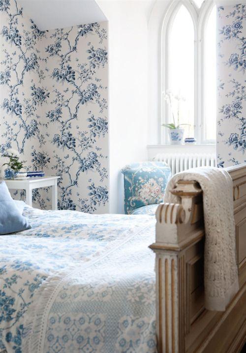 dettagli azzurri nella camera da letto shabby chic - arredamento ... - Pareti Azzurre Camera Da Letto
