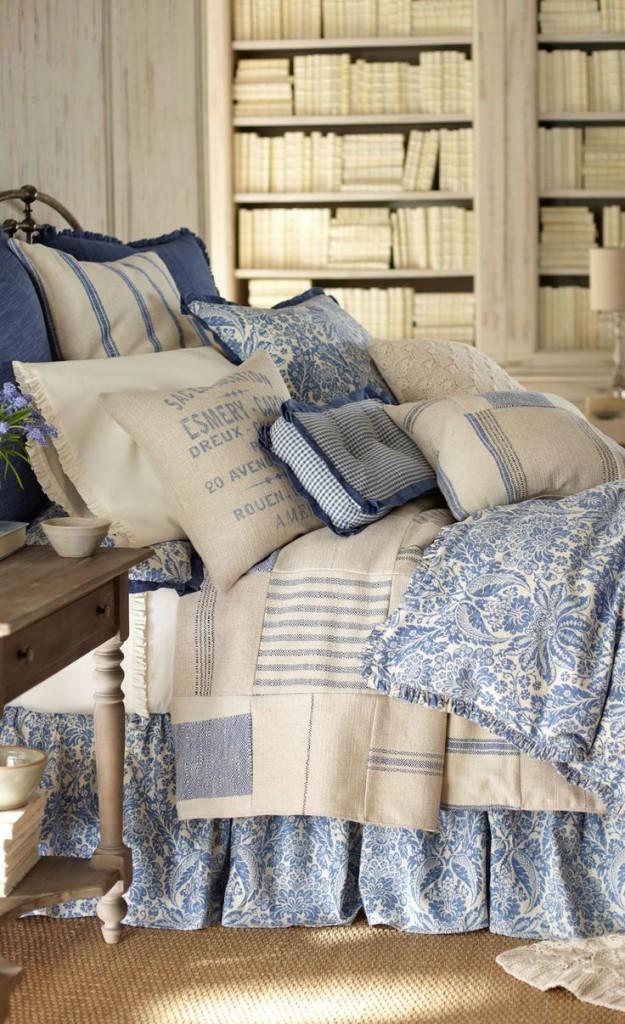 cuscino-azzurro-divano