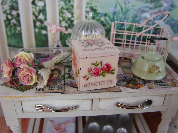 scatola-biscotti-rosa