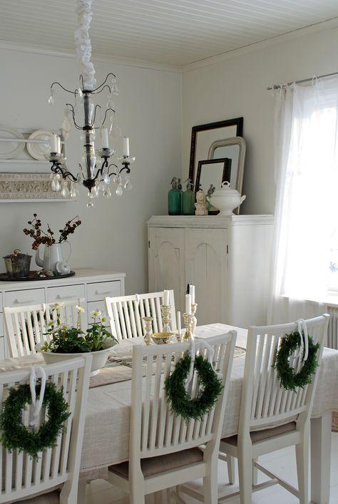 spesso Pranzo di Natale? Ecco come decorare le sedie in stile Shabby Chic  QB94