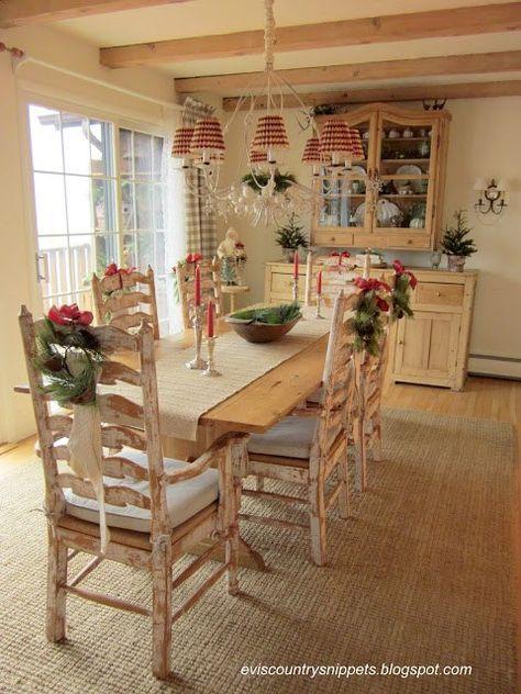 Pranzo di natale ecco come decorare le sedie in stile for Sedie decorate per natale