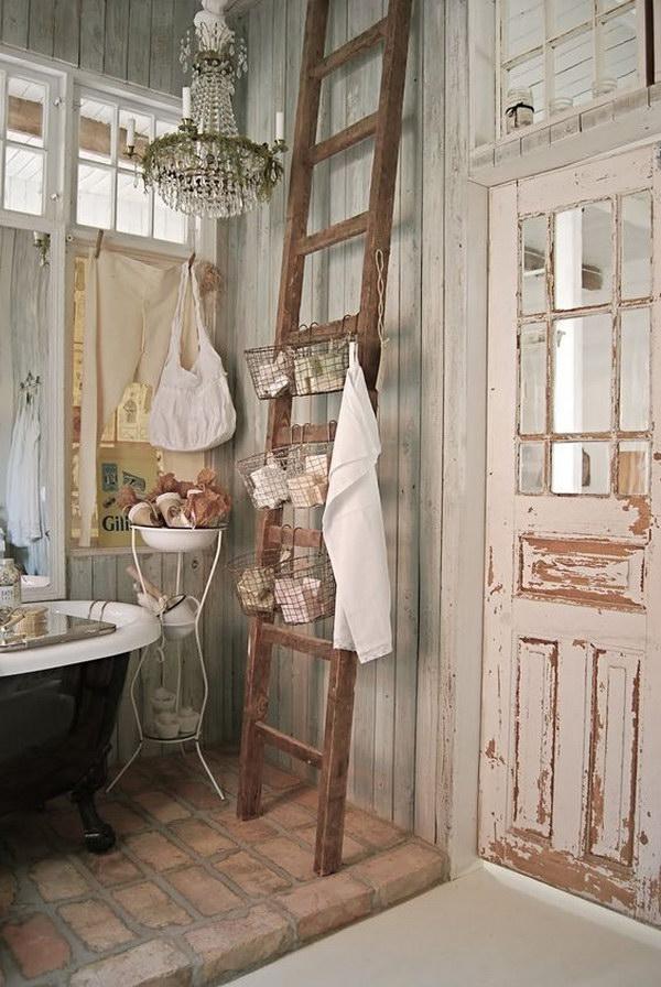 bagno-scala-porta-oggetti