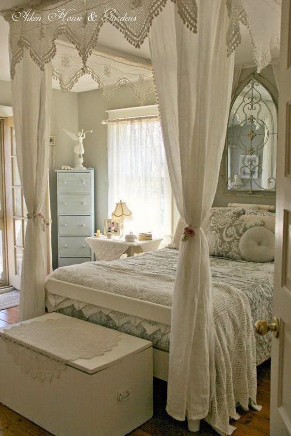 camera-letto-baldacchino